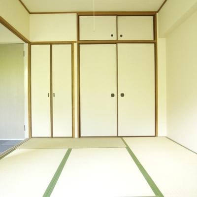 新品感のある和室あり。