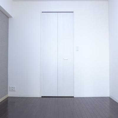 4.5畳とコンパクトな寝室。