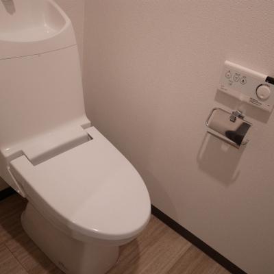 トイレも文句なし(※写真は同間取り別部屋のものです)