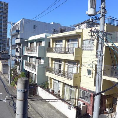 眺望、閑静な住宅街です。