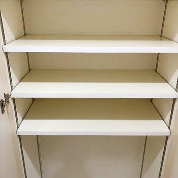 シューズボックス下には、スーツケースも収納できそう◎※写真は同間取り・別部屋のものです。