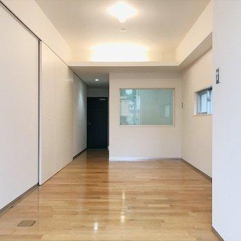 11.6帖の広々空間◎※写真は同間取り・別部屋のものです。