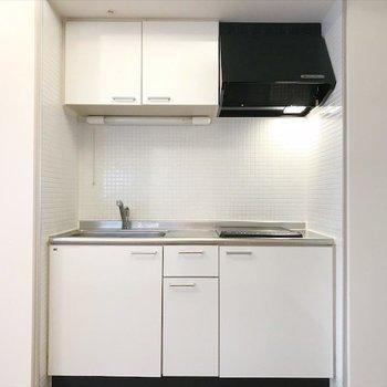 キッチン発見!※写真は同間取り・別部屋のものです。