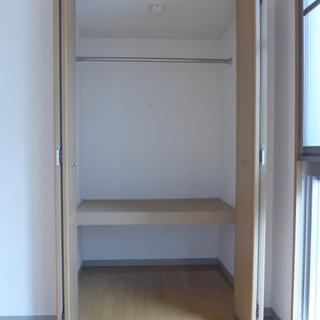 収納も問題なく広いです!※写真は別部屋になります。