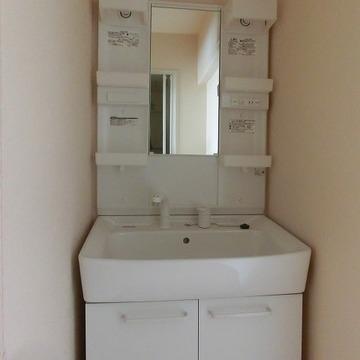 洗面台もきれいです。