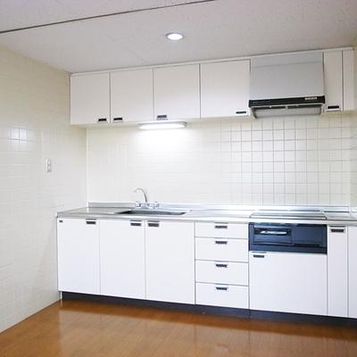 広々キッチン(写真は3階のお部屋です)