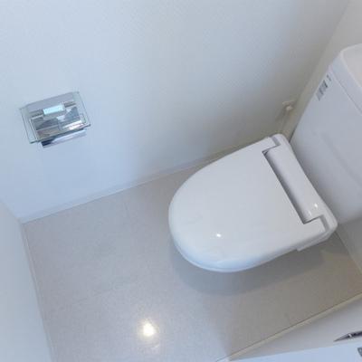 トイレも綺麗ピカピカです!※写真は別部屋