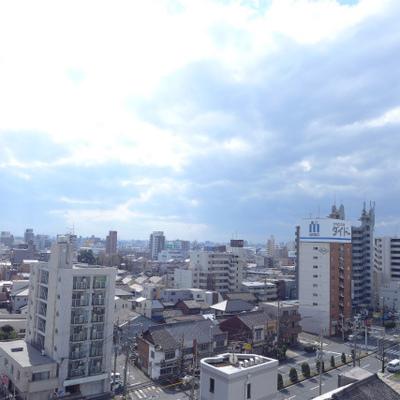 眺望も良し!向かいに建物ありますが、圧迫感はありません。