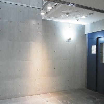 エレベーターホールもクールでかっこいい!