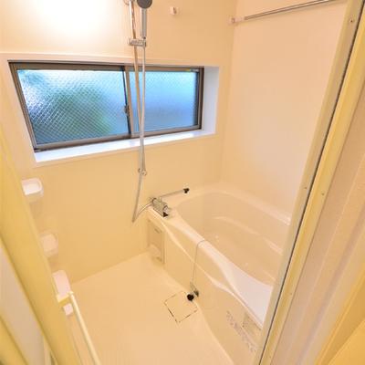 浴室乾燥付のバスルーム※写真は別室です