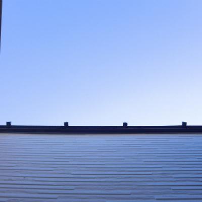 上を見上げると、空を切り取った眺め!
