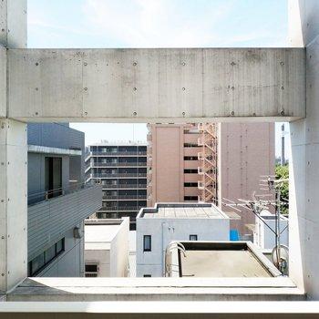 眺望はおしゃなコンクリートと共に。※クリーニング前の写真