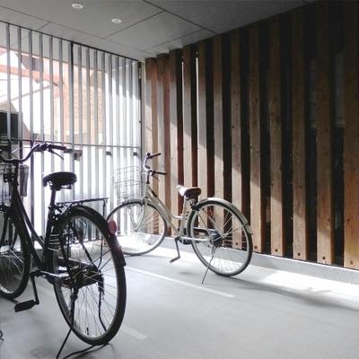 自転車は共有部に。