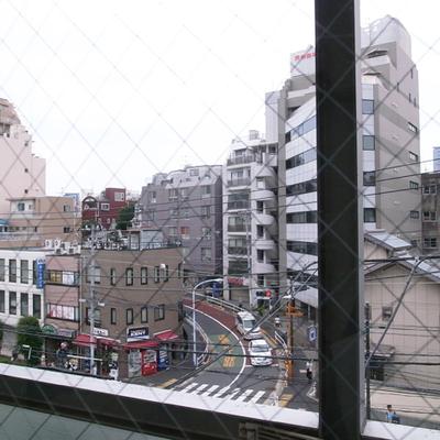 窓からの景色、神楽坂方向