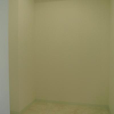 こちらは納戸。便利な収納です