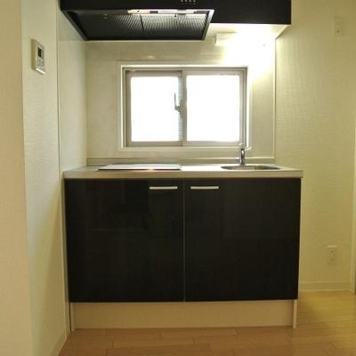 キッチンは2口のIH。