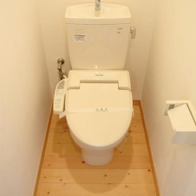 トイレまでも無垢※写真は別部屋