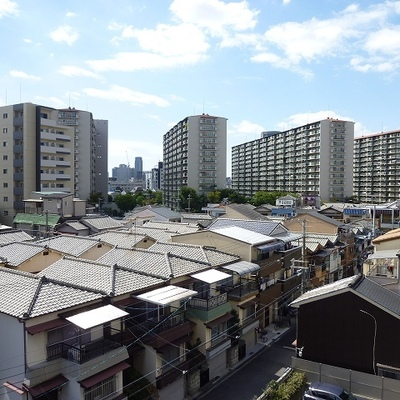 屋根がいっぱい