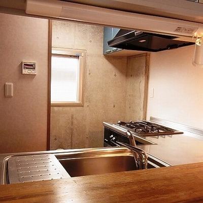 対面キッチン、反対側より