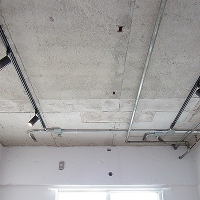 ラフな天井※写真は前回掲載時のものです。