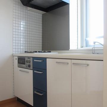 キッチンは2口ガスコンロ&グリル付き。