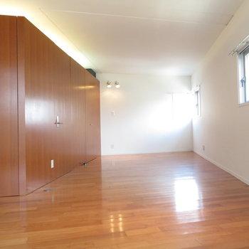 斜めですが直線が多いので家具の配置は簡単そう