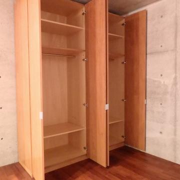 こちらの収納家具は動かせます。