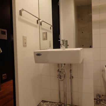 洗面台もシンプルに。