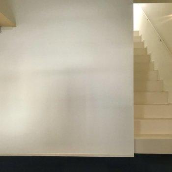 【下階】階段はまっすぐなタイプです。※写真は前回募集時のものです
