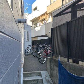 駐輪場はこのぐらいのスペースです。