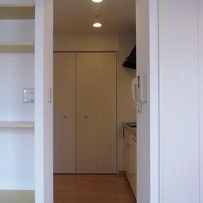 キッチン室。スライドドアで仕切れます