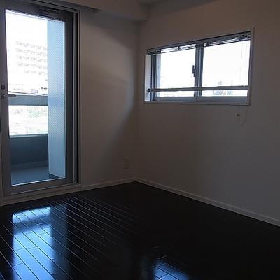 2面窓あります※写真は別部屋です。