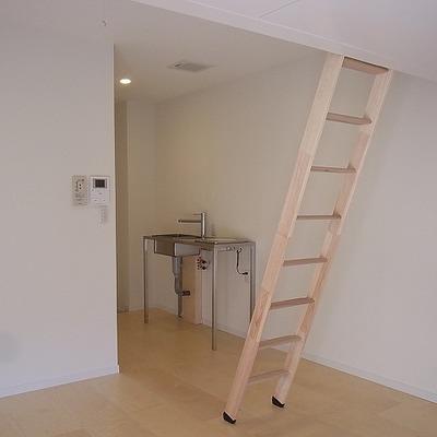 すごくシンプルなお部屋。