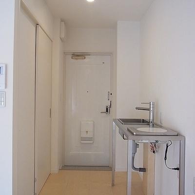 お部屋からキッチン・玄関へ