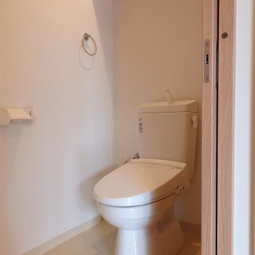 この広さ、伝わるかな〜ゆったりトイレ