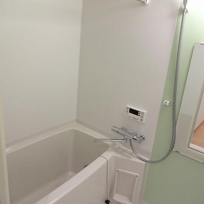 追い焚き、浴室乾燥付き