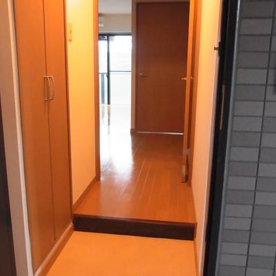 玄関 ※写真は別部屋