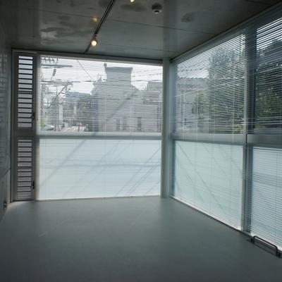 大きな窓があります。開放性はgood