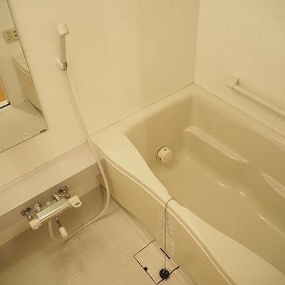お風呂もひろくてゆったりできそう※前回募集時の写真です