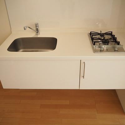 キッチンは2口ガスコンロで料理がはかどりそう※前回募集時の写真です
