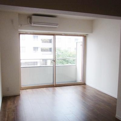 洋室は5帖ほどです※写真は別部屋です