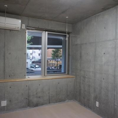 天井もコンクリート。
