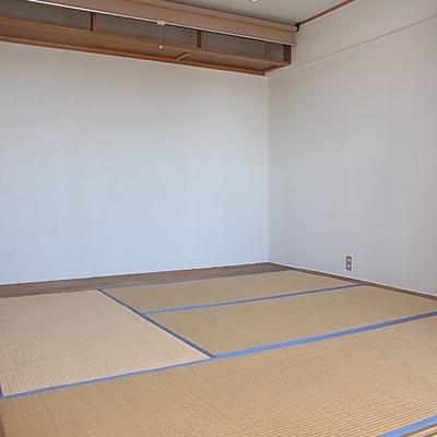 和室はしょうじで仕切ります。