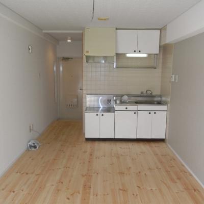 作業スペースもあり使いやすいキッチン!※前回募集時の写真