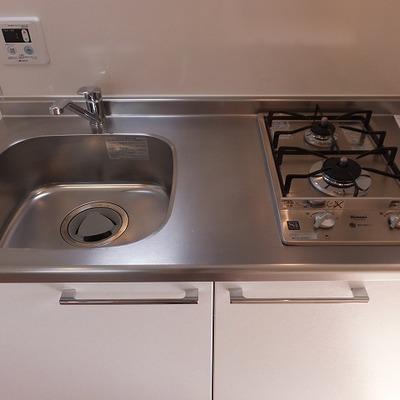 キッチンは2口で使い勝手がよさそうです。