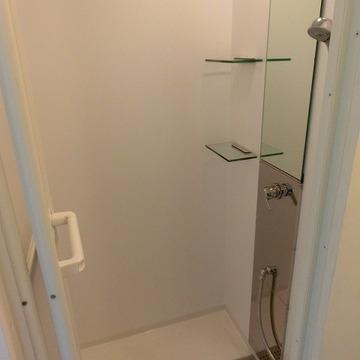 ささっと済ませたい方向きのシャワーブース