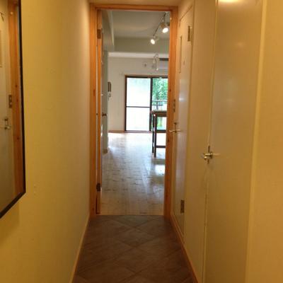 廊下はタイルになっていておしゃれ※写真は前回募集時のものです