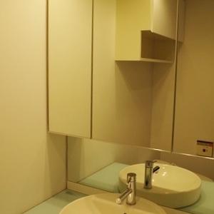 鏡が大きいです!
