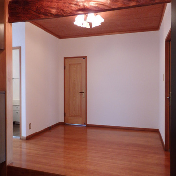 玄関もゆったり広い。ワンフロア1戸の贅沢