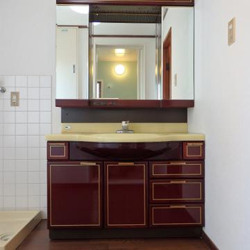バブリーな洗面台かわいい